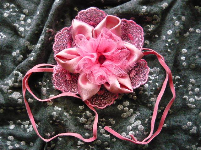 Цветы-браслеты из ткани