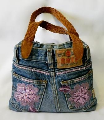 Джинсовая сумочка с аппликацией