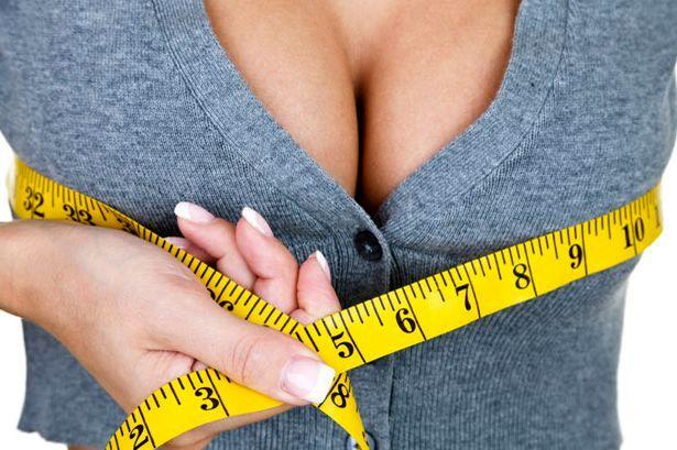 - Оформление горловины в форме запаха , помогают визуально увеличивать бюст.