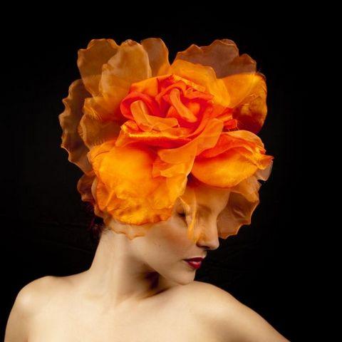 Как использовать цветы из ткани