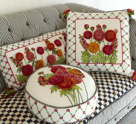 Декоративные подушки в