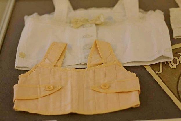 Платья для девочек на корсете