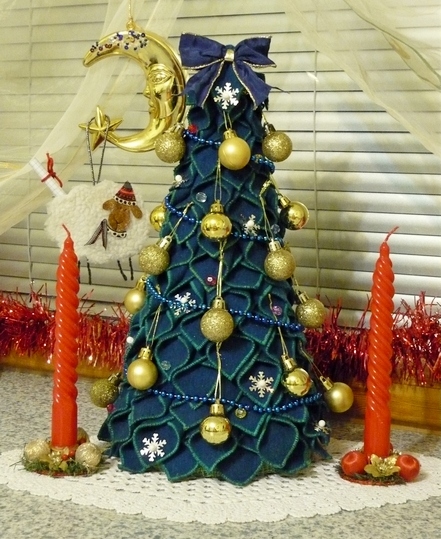 Декоративная   елка  своими  руками