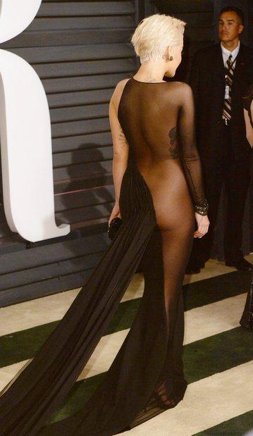 Шокирующие наряды Оскара 2015
