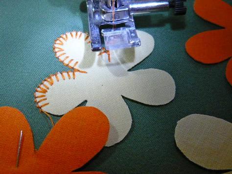 Цветочные аппликации на ткани