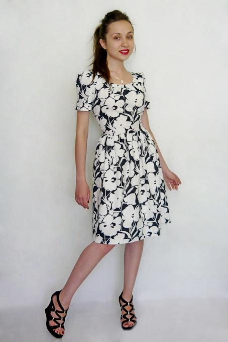 Платье в стиле нью лук из натурального хлопка.