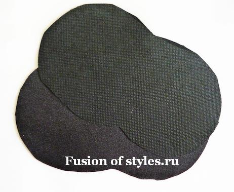 Аппликация из ткани на сеточной блуз