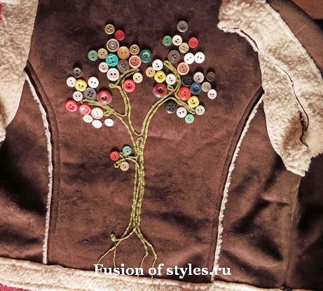Пуговичный декор на одежде