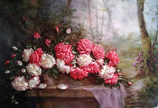 Картины с вышитыми цветами из атласных лент