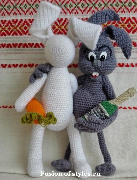 Вязаная игрушка амигуруми заяц