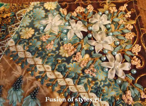Декоративная вышивка с волнистой тесьмой