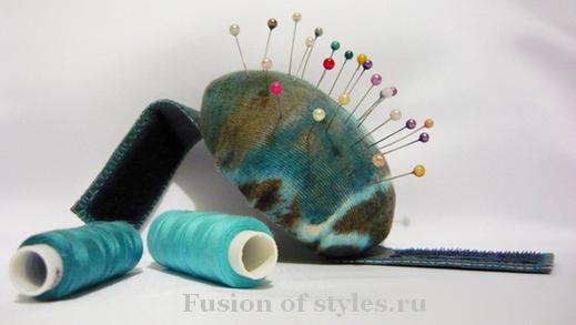 Полезные гаджеты для шитья. Игольница – браслет своими руками