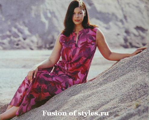 Прямое длинное летнее платье большого размера